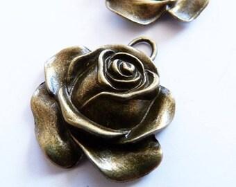 "big pendant fancy ""rose"" silver metal 36 x 33 mm"
