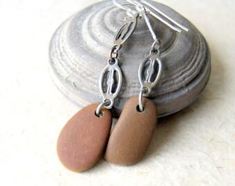 Boucles d'oreilles Pierre de plage avec des maillons de la chaîne Vintage