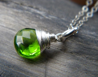 Emerald green quartz faceted briolette solitaire necklace - bright sterling silver handmade jewelry