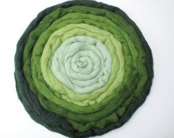 Green Gradient Fiber Set: Merino Combed Top in 5 Shades for Spinning, Felting