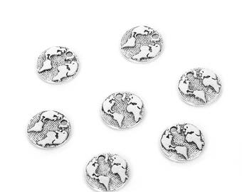 10 charms map of the world in silvered Metal about 1.5 cm