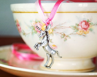 Unicorn Necklace | Unicorn charm | Unicorn Jewelry | Unicorn | Licorne | Unicorn Party Favor | Licorne Party Favor | Party Favor for Kids