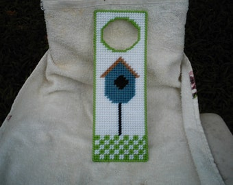 Bird House Doorknob Hanger in Plastic Canvas