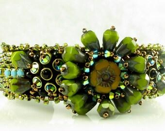 KIT Blossom Cuff Green