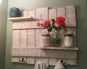Rustic Towel Rack//Wooden Towel Rack//Rustic Bathroom Decor//Bathroom Decor//Pallet Towel Rack//White Towel Rack//Farmhouse Bathroom Decor