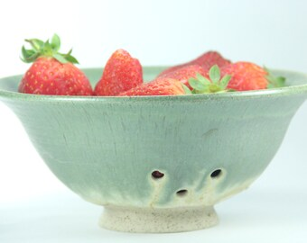 Strainer Bowl, Ceramic Strainer, Berry Bowl, Fruit Bowl, Ceramic Colander, Pottery Berry Bowl, Pasta Colander, Berry Bowl Colander, Israel