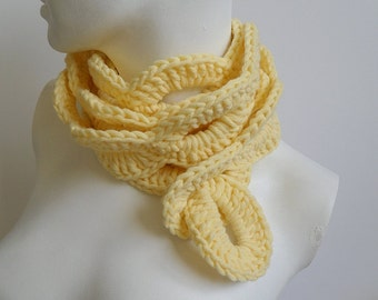 Crochet / bulky Yarn Loop Scarf