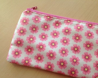 Faux suede zipper pouch : Pink flowers