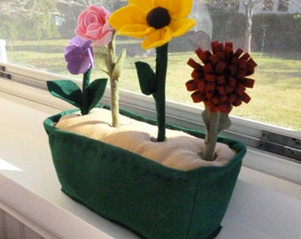 Felt Flower Garden, Toy Flower Set, Pretend Garden, Kid's Playset, Nature Table Toys
