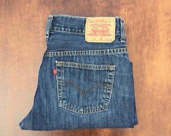 Totally rad high waisted Levis