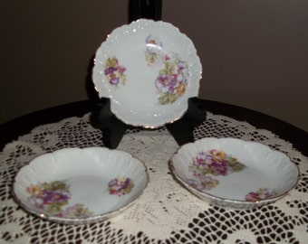Antique Berry Bowl with pansies
