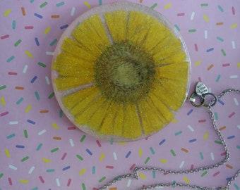 real daisy suncatcher