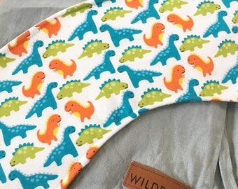Dinosaur Oliebib - babywearing bib and burp rag, full coverage and waterproof!