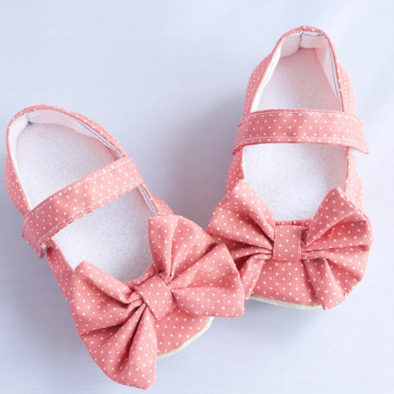 Mary Jane soft sole shoe with bow. pre walkers and toddlers