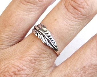 Sterling Silver Ring, Silver Feather Ring, Silver Band Ring, Oxidized Silver Ring