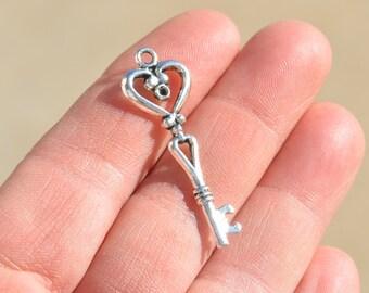 5 Silver Key Charms SC3011