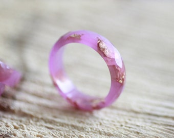 Resin Ring Pastel Lilac - resin faceted stacking ring with gold flakes inside, gold flakes jewelry, resin jewelry, modern jewelry