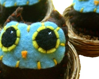 Owl Baby Pin - Eco-friendly Handsewn Felt Plush Owl Brooch/Pin