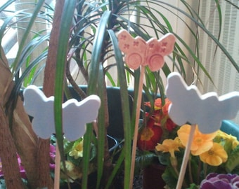 Flower pot decorations: trio of butterflies in ceramic (on pics)