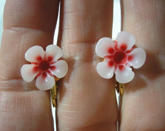 Play Earring - Clip or Pierced - Hibiscus - Tropical Flower - White/Red - 1/2""