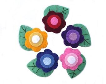 Filz Blumenbrosche, bestickt, Gänseblümchen Schmuck, süße Blume Hutnadel, rot blau rosa lila gelb Stift, Stoff-Schmuck, Filz Blatt zum anstecken