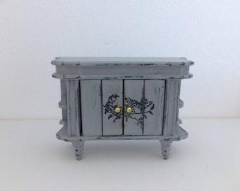 Doll house furniture , miniatures , miniature furniture , 12th scale doll house furniture
