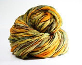 Thick and Thin Yarn Handspun Wool Slub  tts(tm) Merino Hand dyed Self-striping xLR 05b