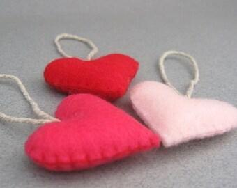 Filz Herzen Valentines Ornamente rot und rosa Valentines Farben kleine Recycling Filz rot, Shocking Pink, Baby-Rosa