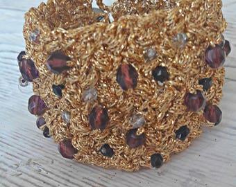 Gold Armreif häkeln, Statement häkeln, einzigartige dramatischen Gold Armband, Gold Häkelarmband Diva, Purpur und Gold Armband