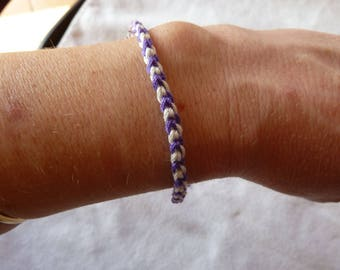 Bracelet white and purple crocheted cotton, good luck is hand