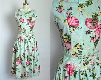 Vintage 1950s Dress 50s Cotton Floral Day Dress Full Skirt