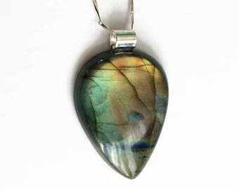 Labradorite Pendant, Labradorite Jewelry, Labradorite Necklace, Flashy Labradorite, Large Labradorite, Oval Labradorite, Faceted Labradorite
