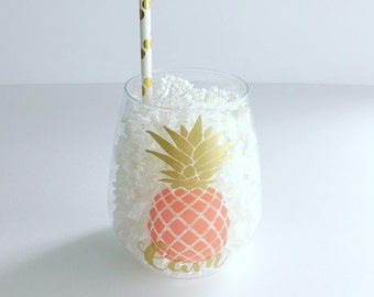 Personalized Pineapple Stemless PLASTIC Wine Tumbler - Bridal, Bachelorette - Shower - Tossware - Personalized Stemless Wine - Party cup