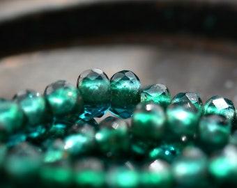 Smaragd Himmel - Premium-Glas-Perlen, transparente Emerald, Capri, Metallic-Gold gefüttert, Perlen Roller 6x9mm - Pc 10