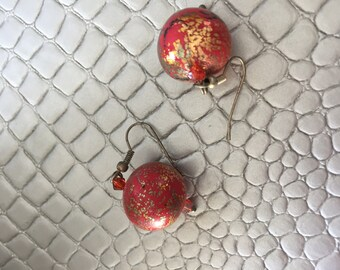 earrings, round, red stained glass, gold leaf