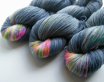 Hand dyed sock yarn Heterochromia 4ply finger weight superwash BFL and bamboo 100g. BFL is a British breed.