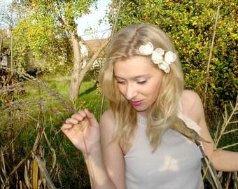 Ivory Bridal  Flower Hair Pins, Pearl Wedding Hair Flowers Small Minimalist Pear Hair Pins, Pearl Flower Pin