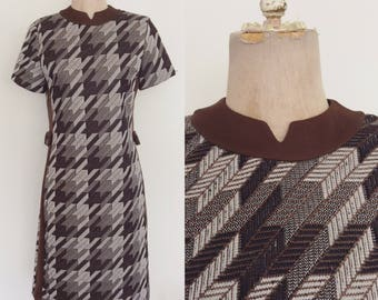 1970's Brown Houndstooth Shift Dress Size Small Medium by Maeberry Vintage