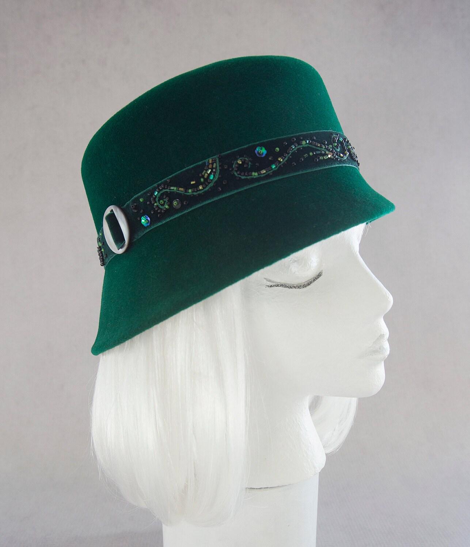 Emerald Green Cloche. Beaded Velvet Green Hat. Women\'s