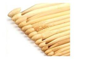 Bamboo, no. 8 hook - lightweight and ergonomic - new
