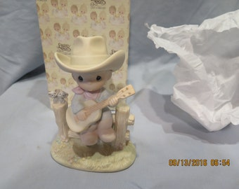 Precious Moments Hallelujah Country 105821 Flower 1987