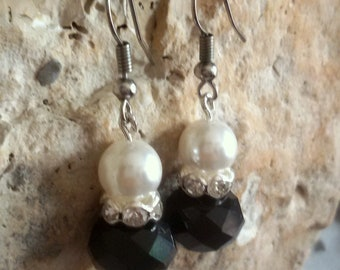 women earring,gift,women,bridsemaid,faceted glass beads,glass pearl,crystal,silver color
