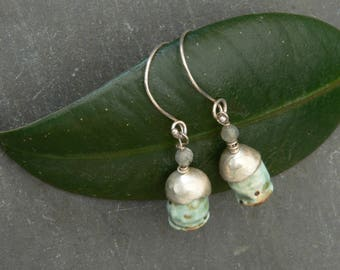 Poppy Seed earrings in Sterling Silver and Ceramic with Labradorite
