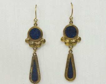 Earrings made with ancestral jewelry techniques