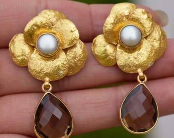 Smoky Quartz and Freshwater Pearls,BrassSmokey Quartz flower Earring,Gift for Girlfriend,Natural Birthstone Girl,Two Stone Earring Girls