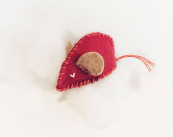 Catnip Toy, Felt Mouse Cat Toy, Handmade Cat Toy, Stuffed Cat Toy, Toy for Cats, Fuschia Mouse, Toy With Catnip, Cat Lover Gift, Small Mouse