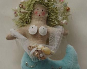 Folk Art Mermaid (MINI-MER-V-NET)