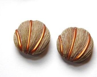 Vintage Faux Grass Detailed Plastic Button SM btn021B