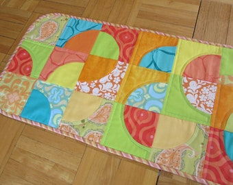 Quilted Curves Table Runner