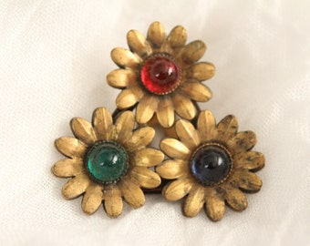 Vintage Brass Three Flower Clip With Red Green Blue Stones . Unsigned